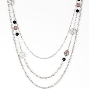 Black necklace/earrings paparazzi